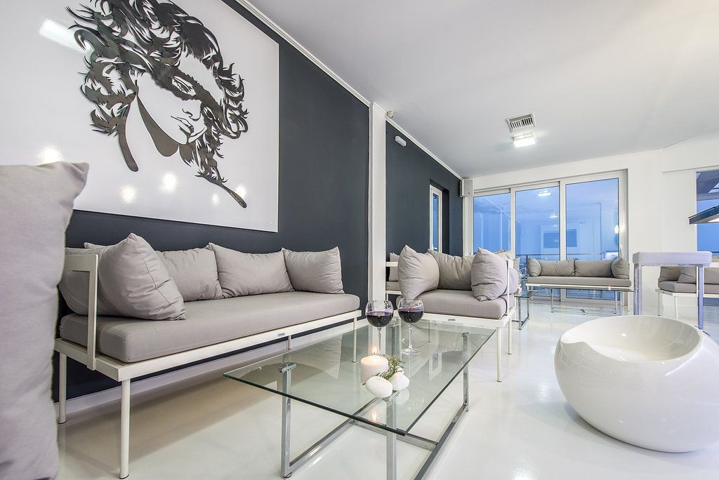 diana,hote,bar,livingroom,floor